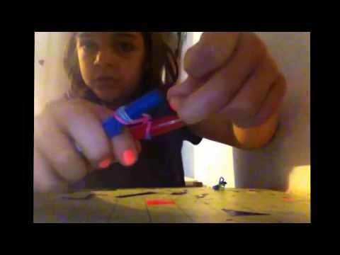 How to make a bow out of rubber bands