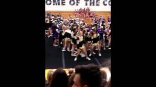 RCHS Cheerleaders getting down