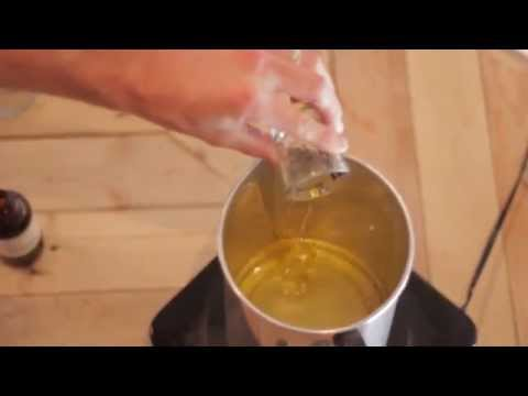 How to make soy wax candles at home