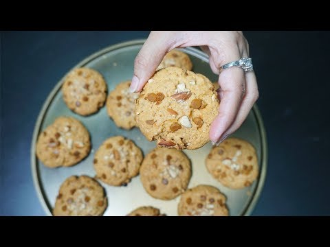 Chocolate Chip Cookies Recipe With English Subtitle | Cook With Fariha (2017)