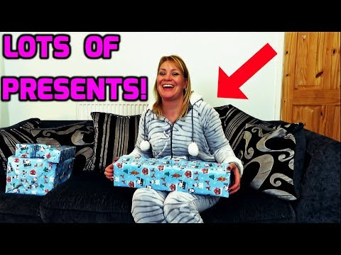 Lots Of Christmas Presents! Woman Opens Christmas Presents!