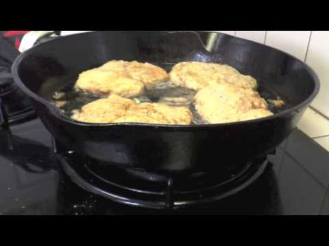 How To Make Crispy Fried Pork Chops Breakfast - Cast Iron Cooking