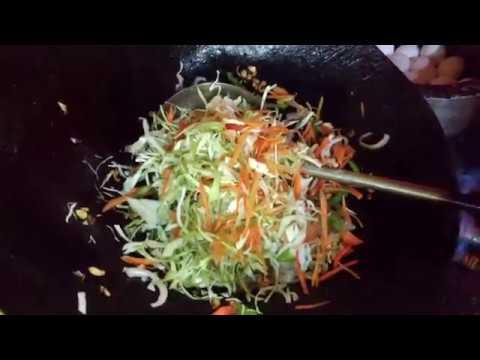 HAKKA CHOWMEIN  VEG POPULAR STREET FOOD RESTAURANT RECIPE