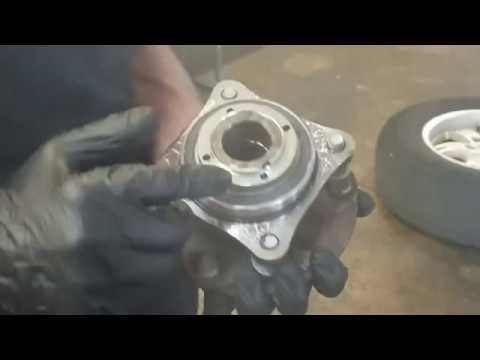 How to Replace a Front Hub Bearing | 2007 FJ Cruiser