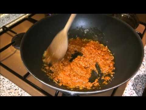 Nudeln (Calamarata) mit Pesto