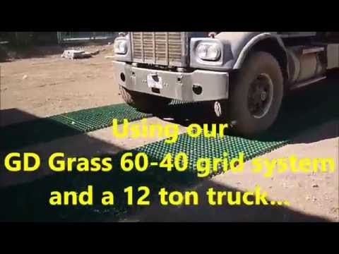 Green Driveway - GD Grass 60-40 - Truck driving on empty grid!