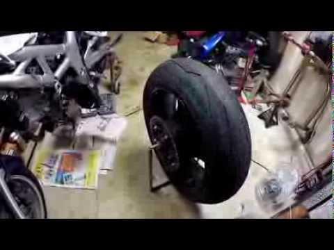GSXR rear tire change