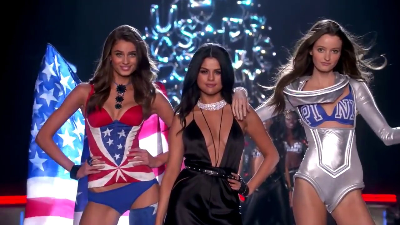 Best performance of Selena on 2015 at Victoria's Secret Fashion