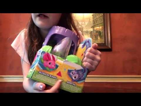 Little Live Pets Lil Fluffy Tree House Berrytail Squirel Opening And Review