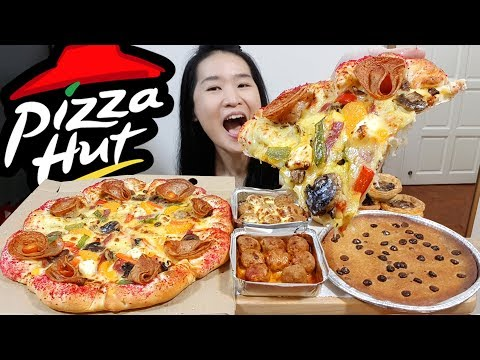 PIZZA HUT!! Cheesy Stuffed Crust Pizza, Meatballs, Hershey's Chocolate Cookie | Eating Show Mukbang