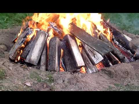 How to burn a large tree stump the easy way / How to remove a tree stump the easy way