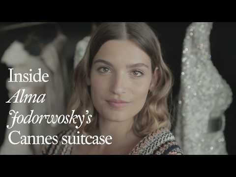 Dans la valise d'Alma Jodorowsky au Festival de Cannes |  VOGUE PARIS