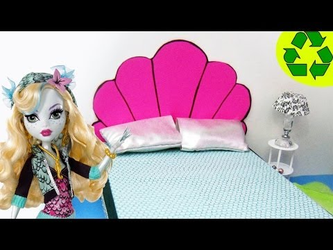 How to make a Doll Bed for Lagoona Blue - Monster High Tutorial - simplekidscrafts