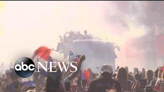 Paris gives heroes