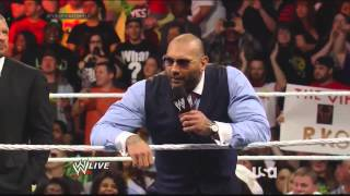 Raw 21/04/2014 - The Shield Confronts Evolution