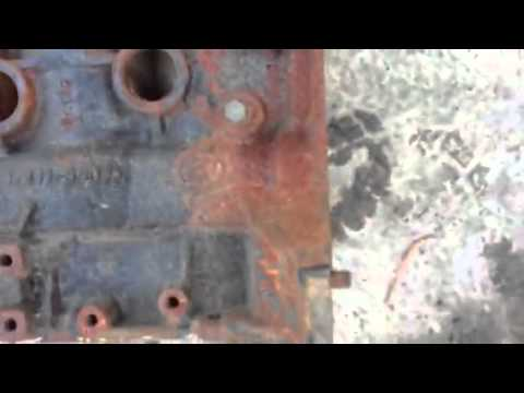 REMOVING RUST: OFF 4 CYLINDER ENGINE BLOCK MOTOR LIKE NEW