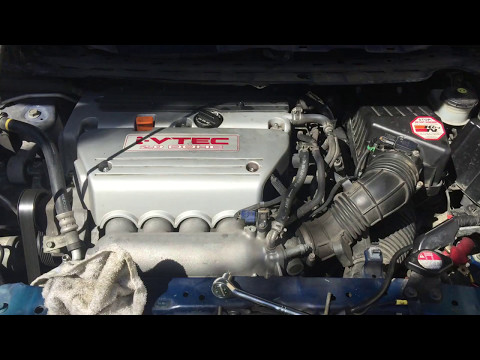 How to replace a Clutch master cylinder on a Honda Civic si sedan 2007 and its location HD part 2