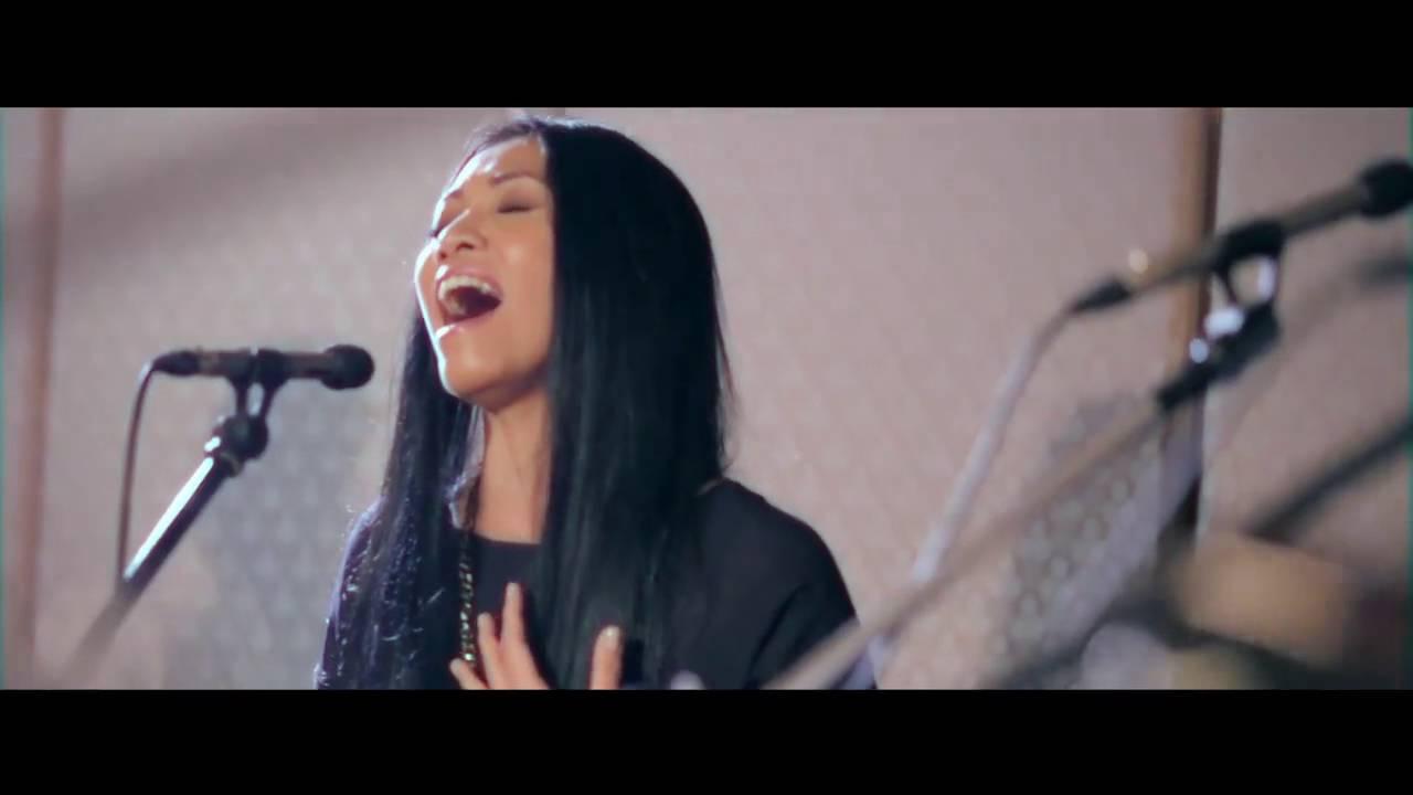 Download Anggun X Back2Basixx - A Rose In The Wind/ Kembali MP3 Gratis