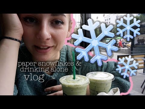 VLOG   paper snowflakes, othello and drinking alone