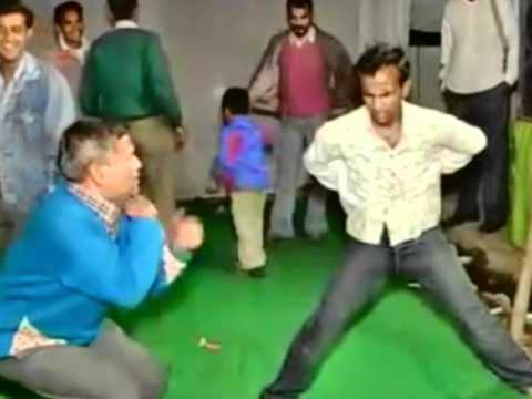 Funniest Dance Video You Will Ever See at an Indian Wedding - Murder of Dance Floor
