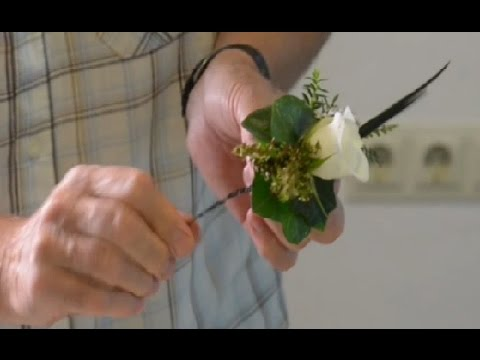 Instruction video - Wired corsage: Securing the metal disc for a magnet