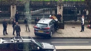 LONDON TERROR ATTACK || CAR MOWING DOWN MANY PEOPLE IN LONDON 1 TERRORIST SHOT BY POLICE !_{VIDEO}_