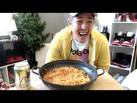 Carbonara Creamy Fire Instant Noodles Mukbang | Dongdigity