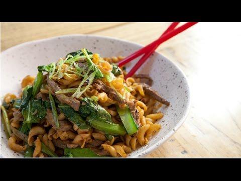 Jerry Mai's Nui Xao Bo - Stir Fried Pasta