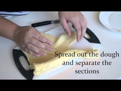 How to Make Apple Crescent Rolls