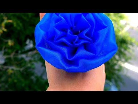 How To Make A Decorative Flower Brooch - DIY Style Tutorial - Guidecentral