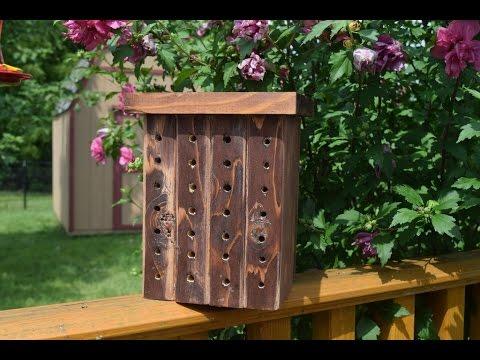 How to Build a Bee House (WoodLogger.com)