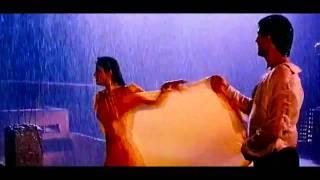 Hot Raveena Tandon In Mohra Tip Tip Barsa Pani (Love In Rain)