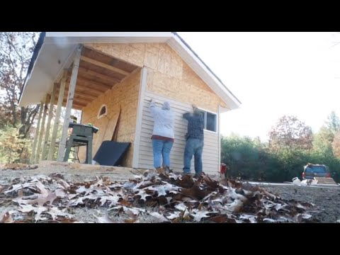 How To Install Vinyl Siding | Dog Kennel Build Part 7 - Homesteadhow.com