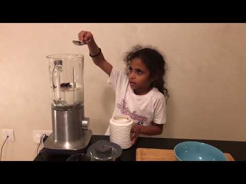 How to make a Strawberry Oreo Milkshake!