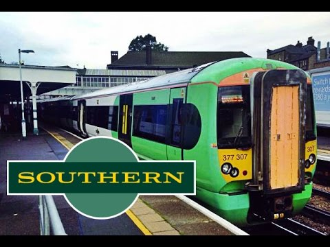 Southern Railway Gatwick Airport to Victoria|FULL JOURNEY
