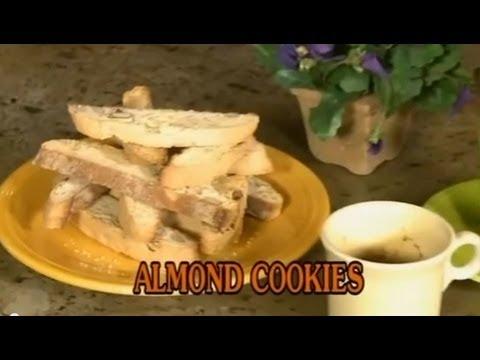 Almond Cookies - Xuân Hồng
