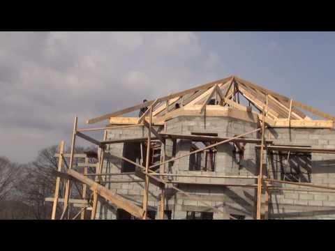 Hip roof framing