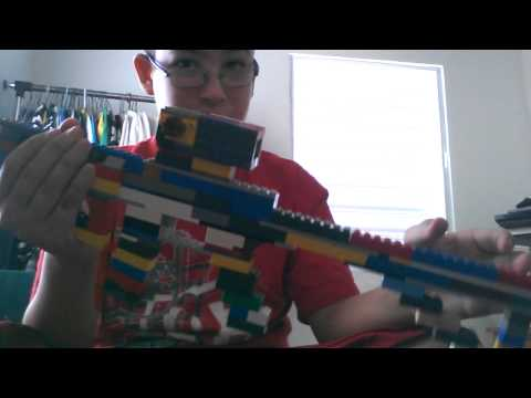 AR-15 assault rifle made out of legos