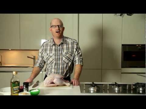 How to crown and cook a turkey - recipes and instructions from vouchercodes.co.uk (Short version)