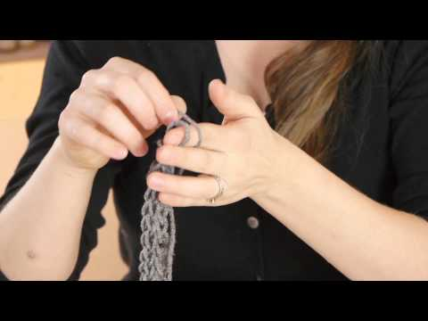 How to Finger-Knit a Necklace for Kids : Various Kids' Crafts