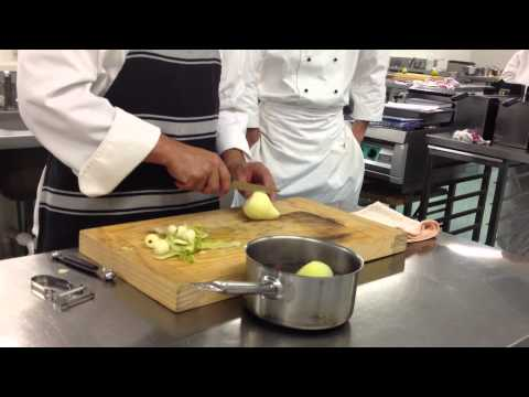 0319 poach pear in redwine