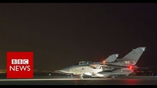 US-led airstrikes hit Syria - BBC News
