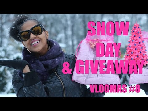 SNOW DAY + GIVEAWAY AND WHY MY INTRO IS SO LONG! 🤔 | #VLOGMAS with CHINA RENEE