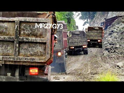 Dump Truck Slip Fail On Steep Slope Komatsu PC228 Excavator Work