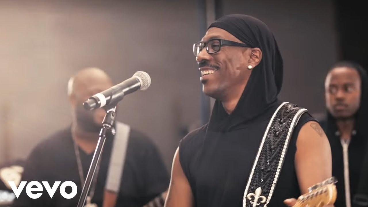 Eddie Murphy - Red Light  ft. Snoop Lion (Official Video)