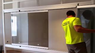[Aluminia] [Instalación cortina de cristal / Installing frameless glass doors]
