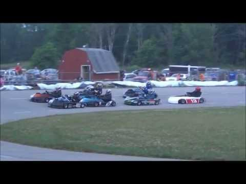 Coulee Raceway Asphalt Oval Feature Go kart race