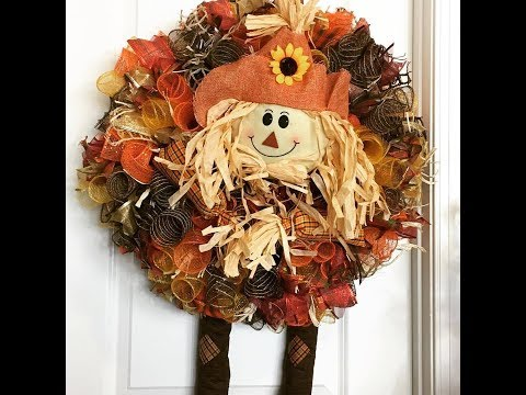 How to make a deco mesh scarecrow wreath using the curly method