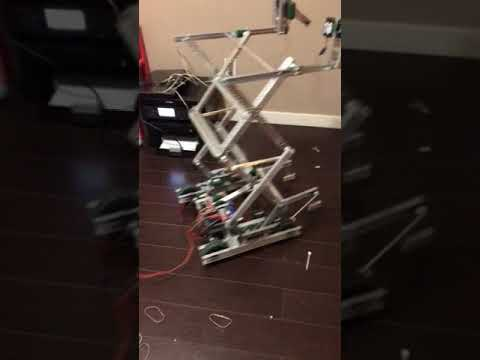 Vex in the Zone Scissor lift design