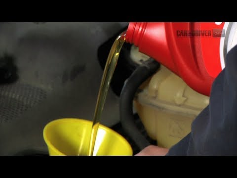 How to Choose Between Synthetic and Conventional Motor Oil